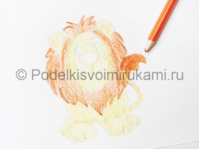 Рисуем льва цветными карандашами - фото 11.