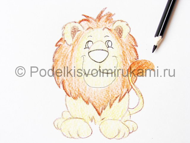 Рисуем льва цветными карандашами - фото 14.