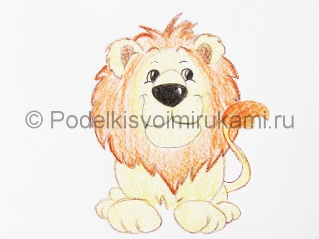 Рисуем льва цветными карандашами - фото 16.