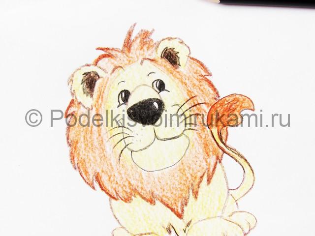Рисуем льва цветными карандашами - фото 18.