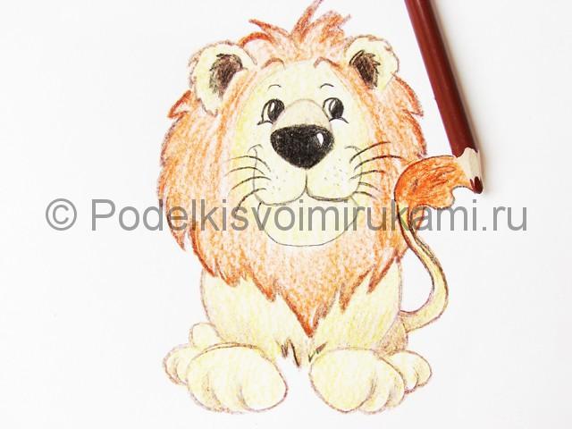 Рисуем льва цветными карандашами - фото 19.