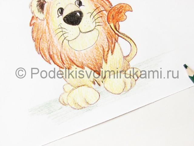 Рисуем льва цветными карандашами - фото 20.