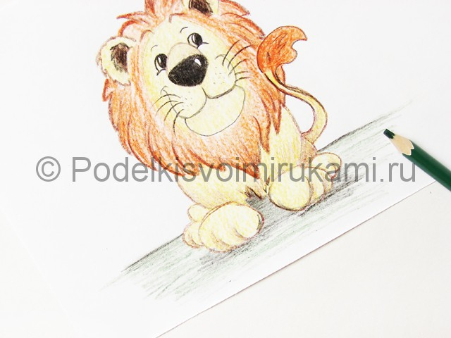 Рисуем льва цветными карандашами - фото 21.