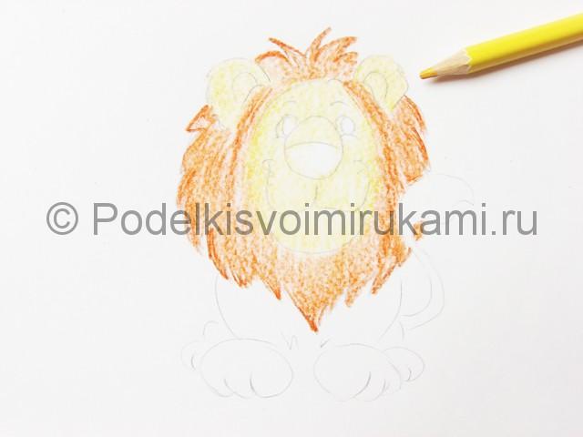 Рисуем льва цветными карандашами - фото 9.