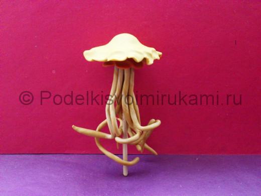 Медуза из пластилина. Итоговый вид поделки.