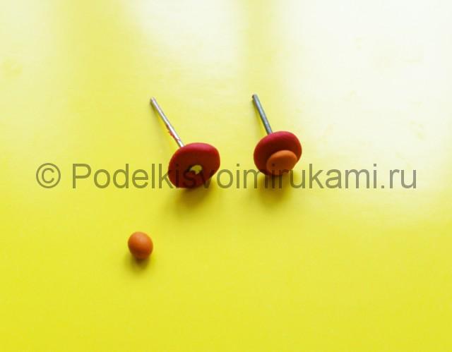 Как сделать серёжки из пластилина фото 17