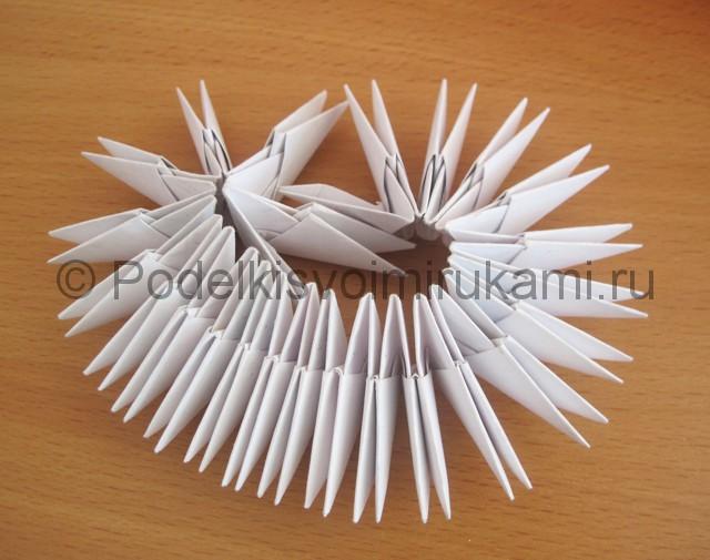 Как сделать лебедя и бумаги