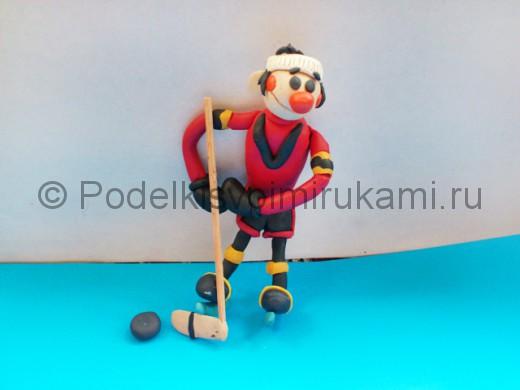 Хоккеист из пластилина. Итоговый вид поделки.